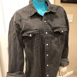 Levi's thick gray button down cowboy shirt